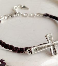 Flätat armband med kors