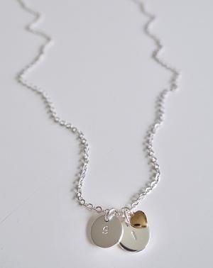 Namnhalsband med minihjärta