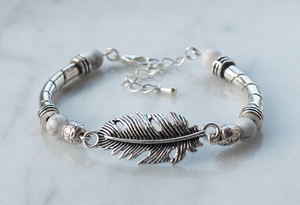 Feather antique armband