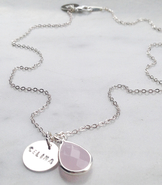 Namnhalsband med rosa droppe